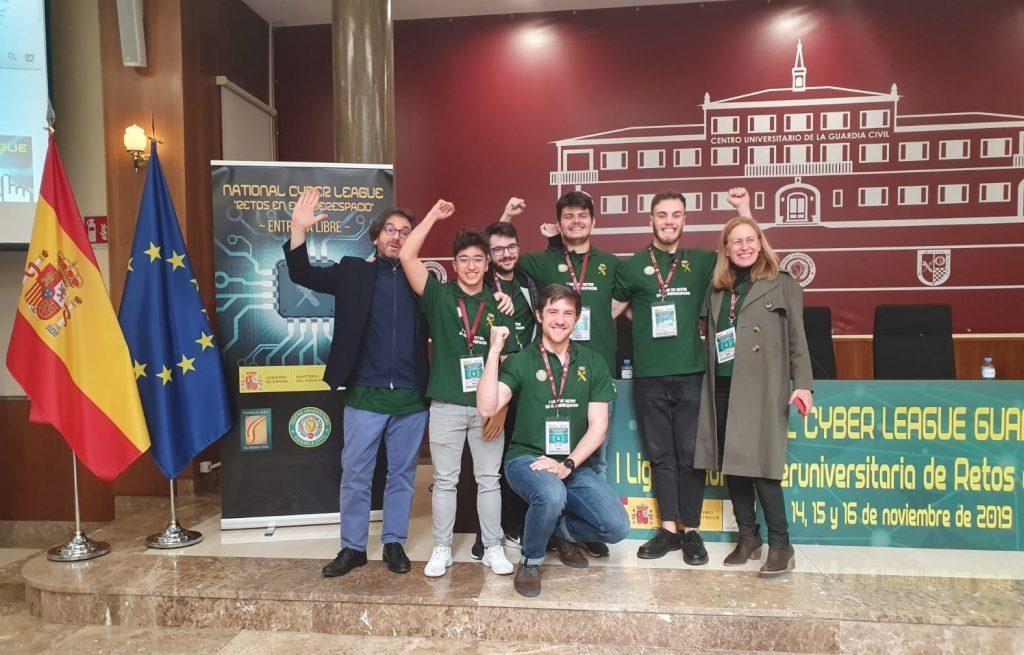 Ganadores de I NationalCyberLeagueGC y mentores..